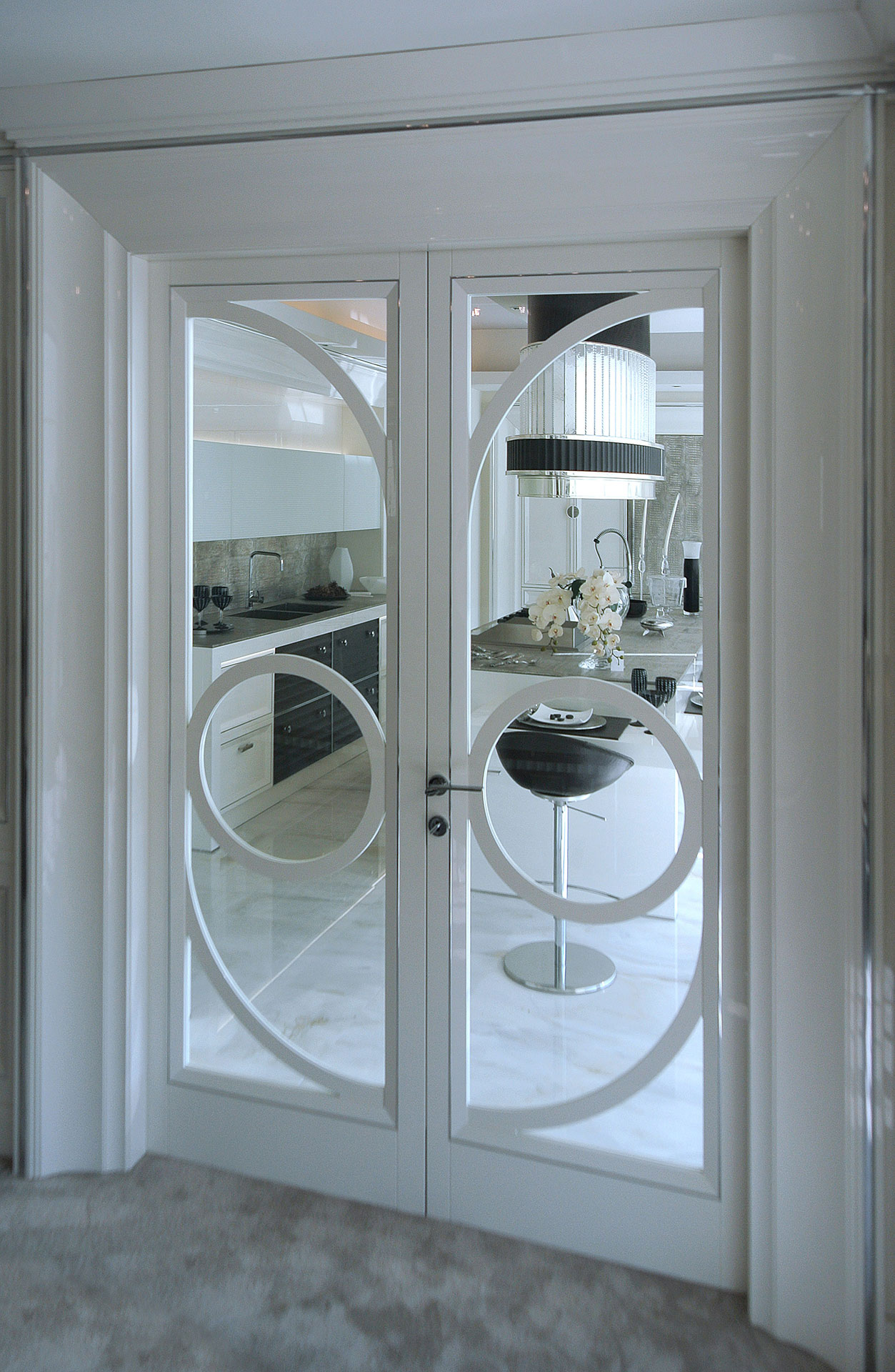 Faoma bespoke white wood and glass front door