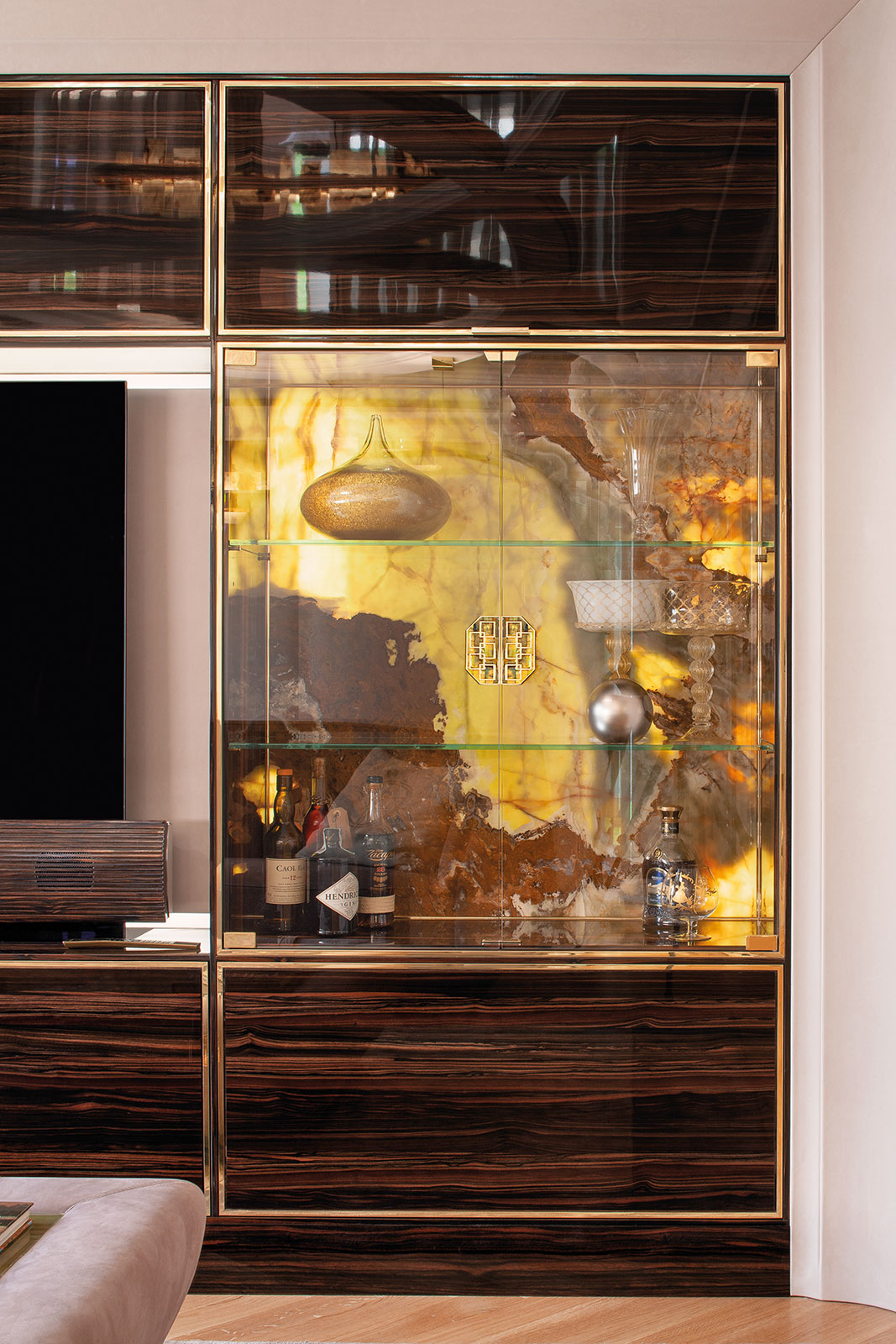 Faoma Zairo cabinet for dining room