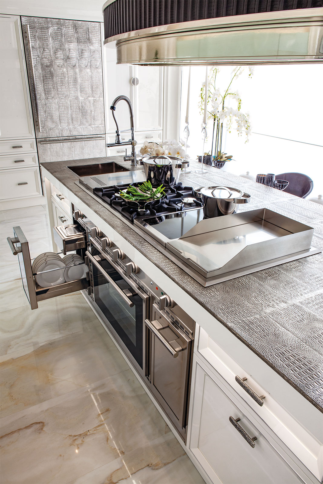 Faoma The Met kitchen island